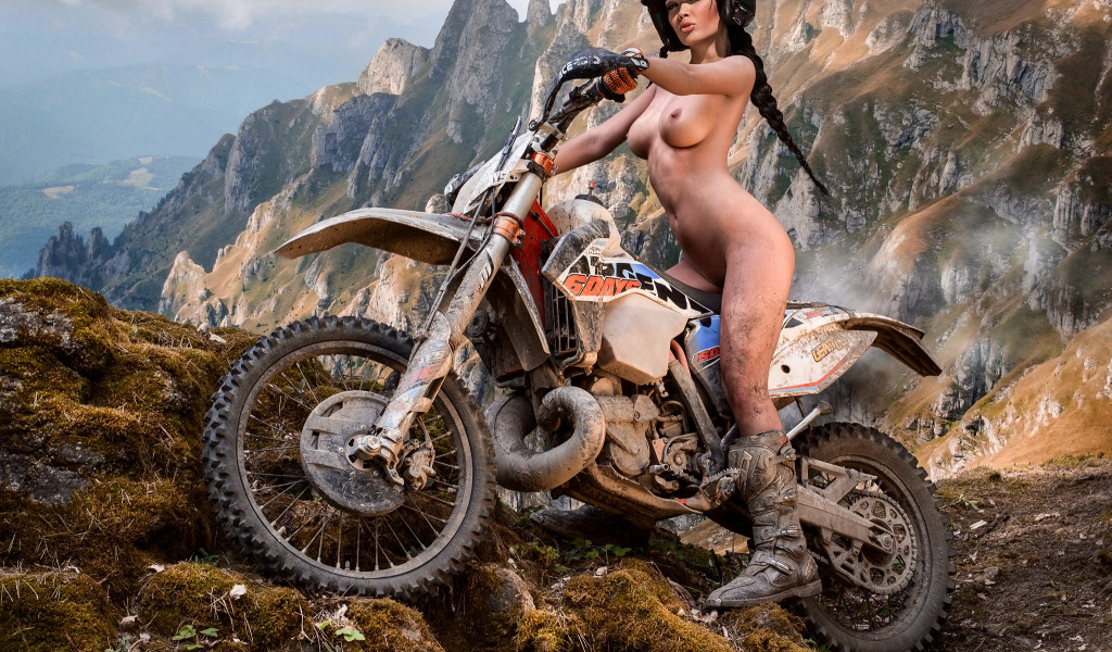 девочки способны фото голых девушек на мото голых девушек