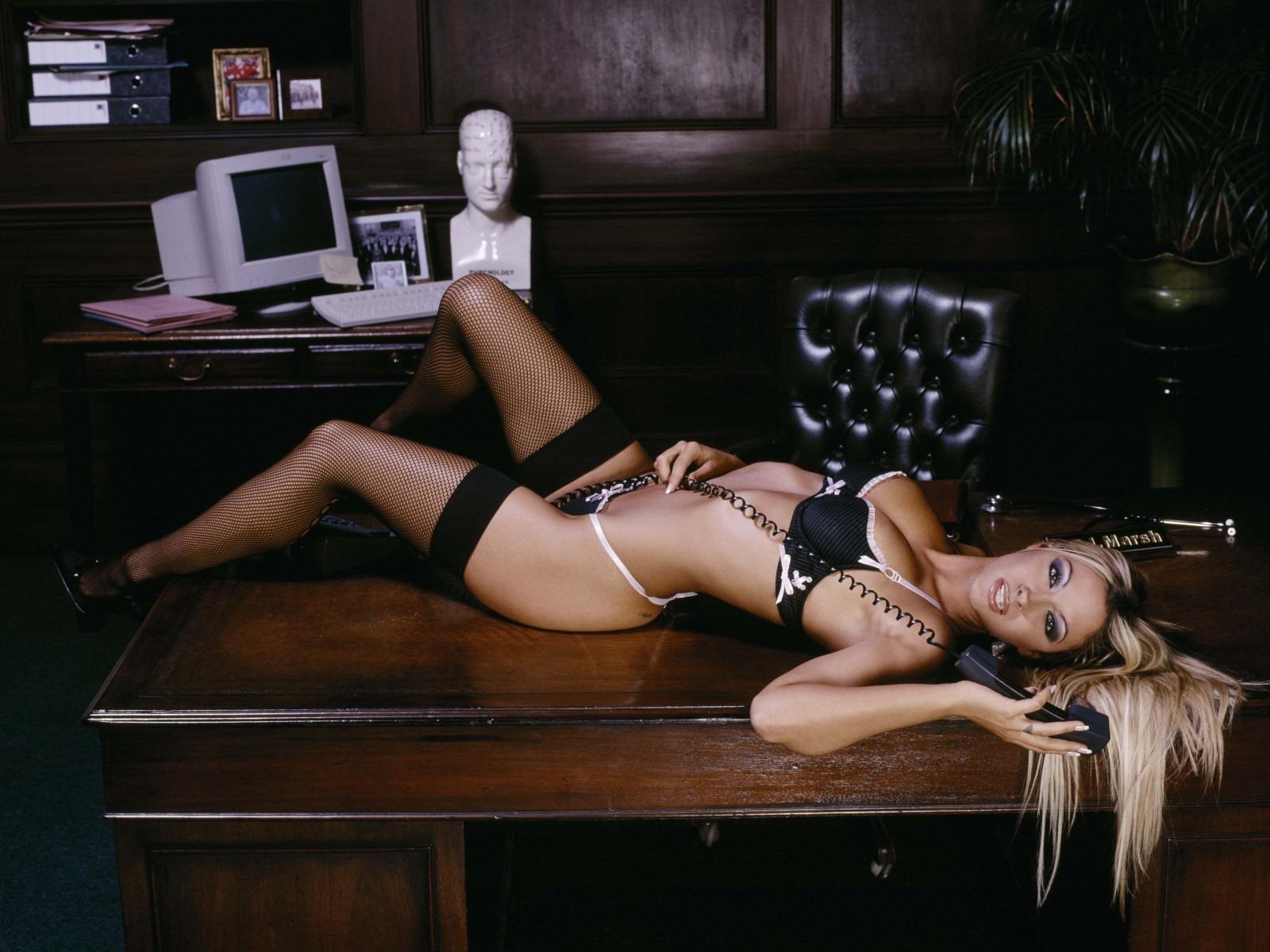 Секс рабочем столе видеосъемка, смотреть страстное порно пар