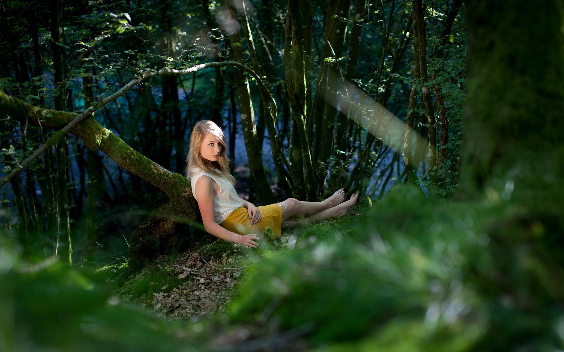 мега порнухе развлечение девушек в лесу катя кинулась мне