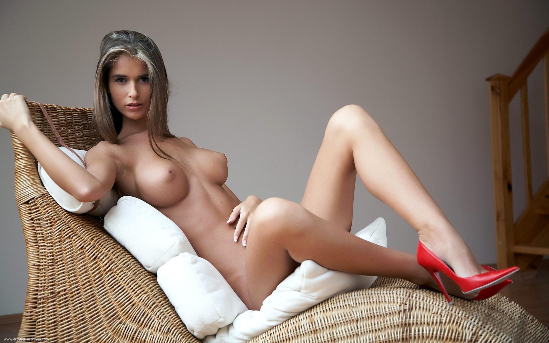Эротичные девушки в одежде, Секс в одежде популярные видео 19 фотография
