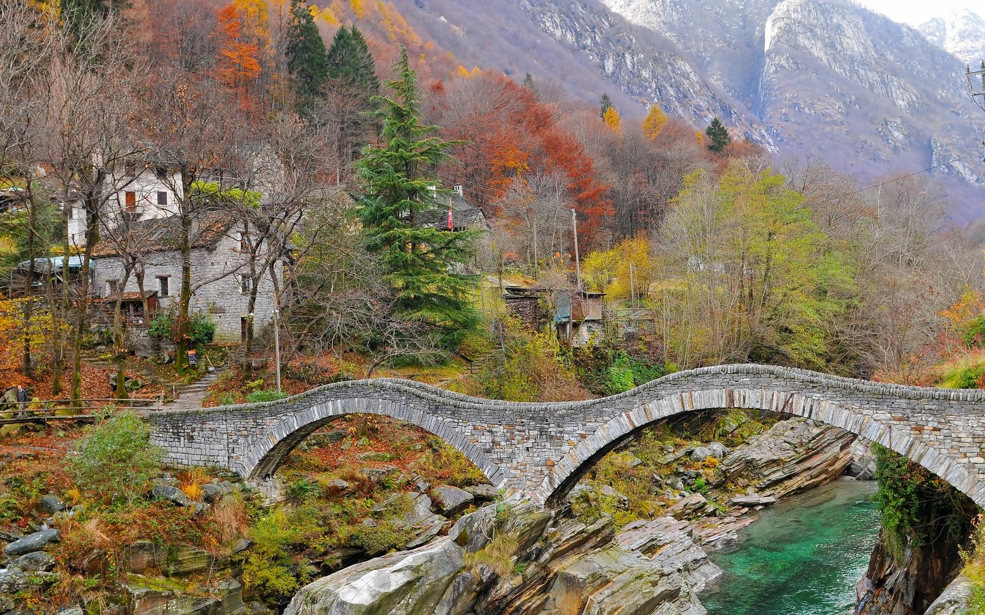 Мост через речку в ущелье  № 2239352 загрузить