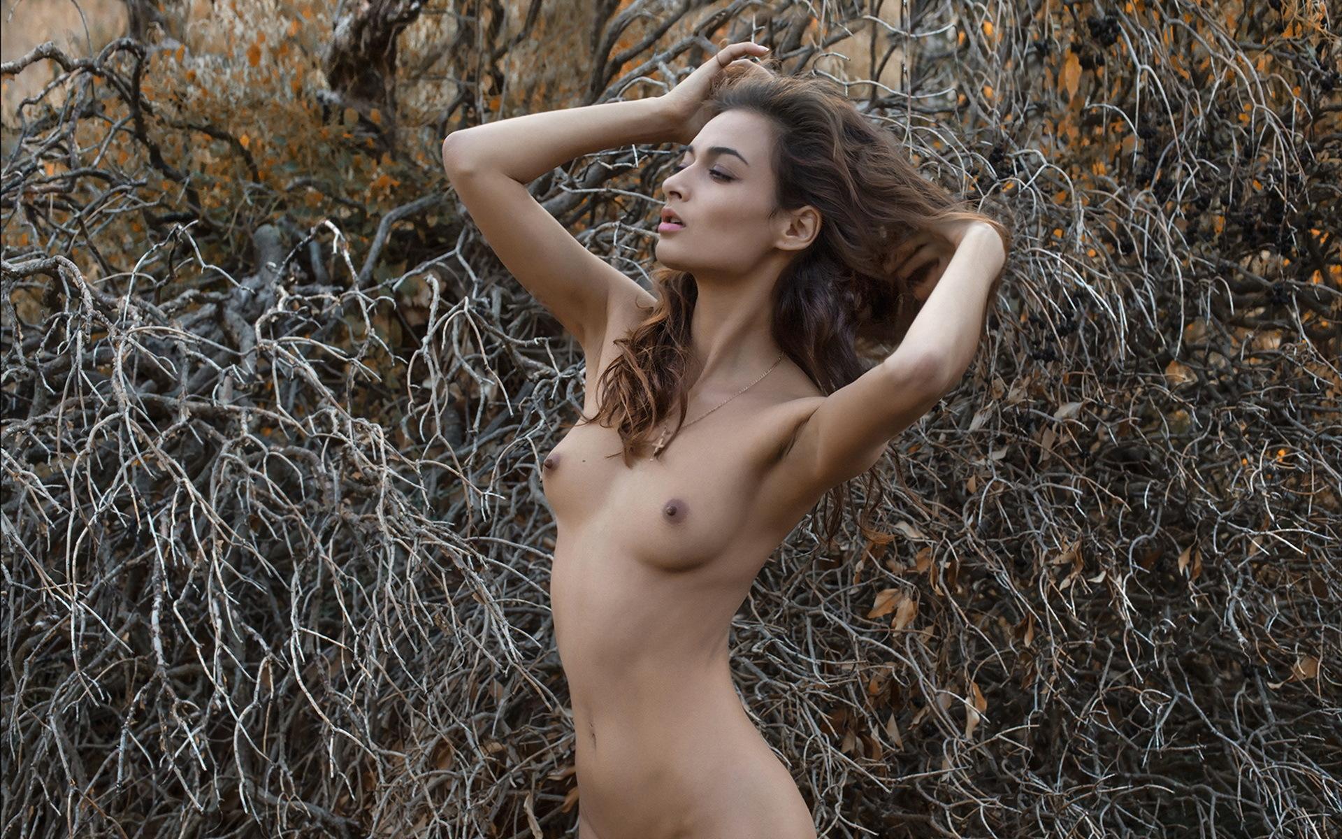 Craig italian nud girl woman skinny