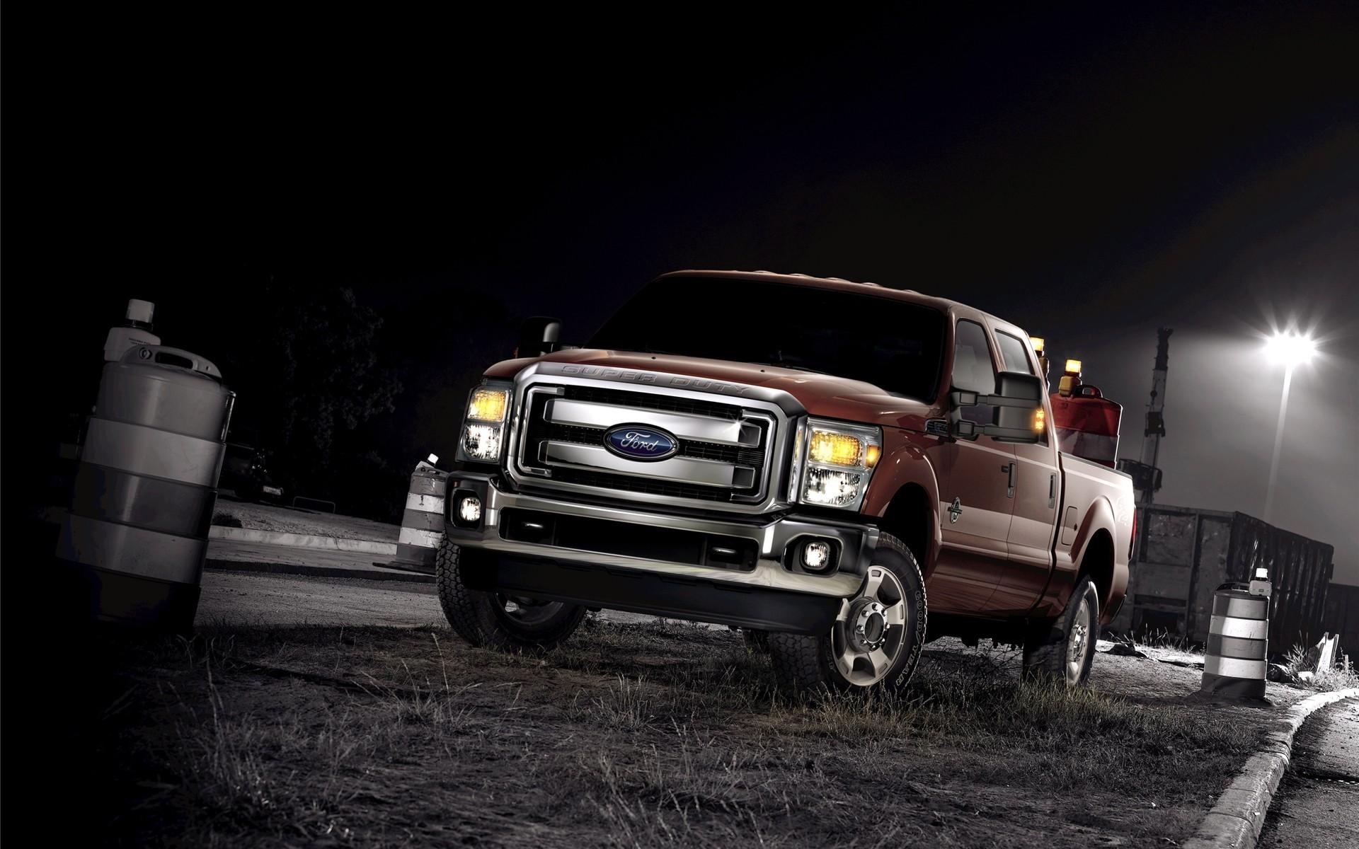 В США Генри Форд основал автомобильную компанию «Форд ...