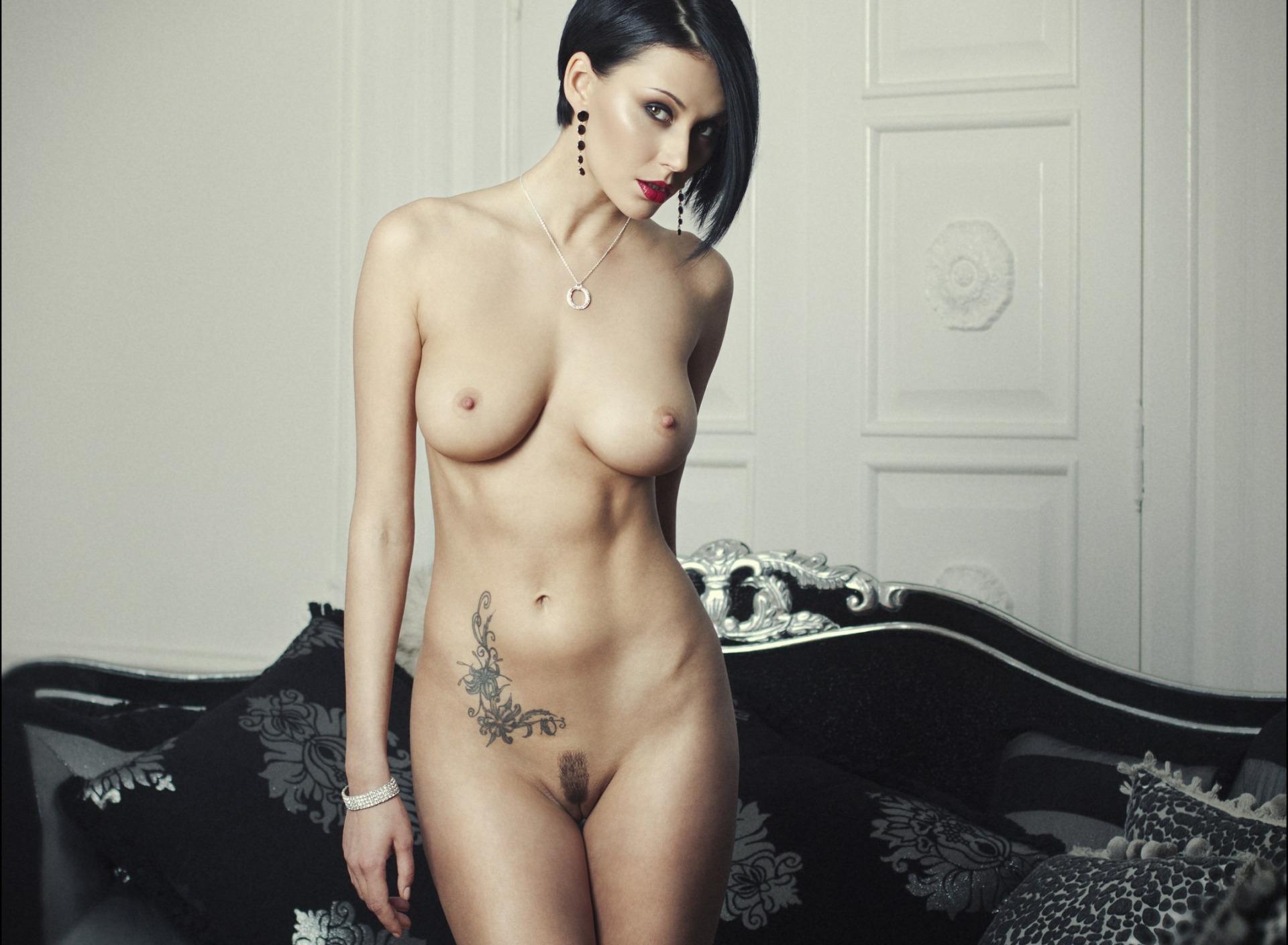 tatu-nude-photos