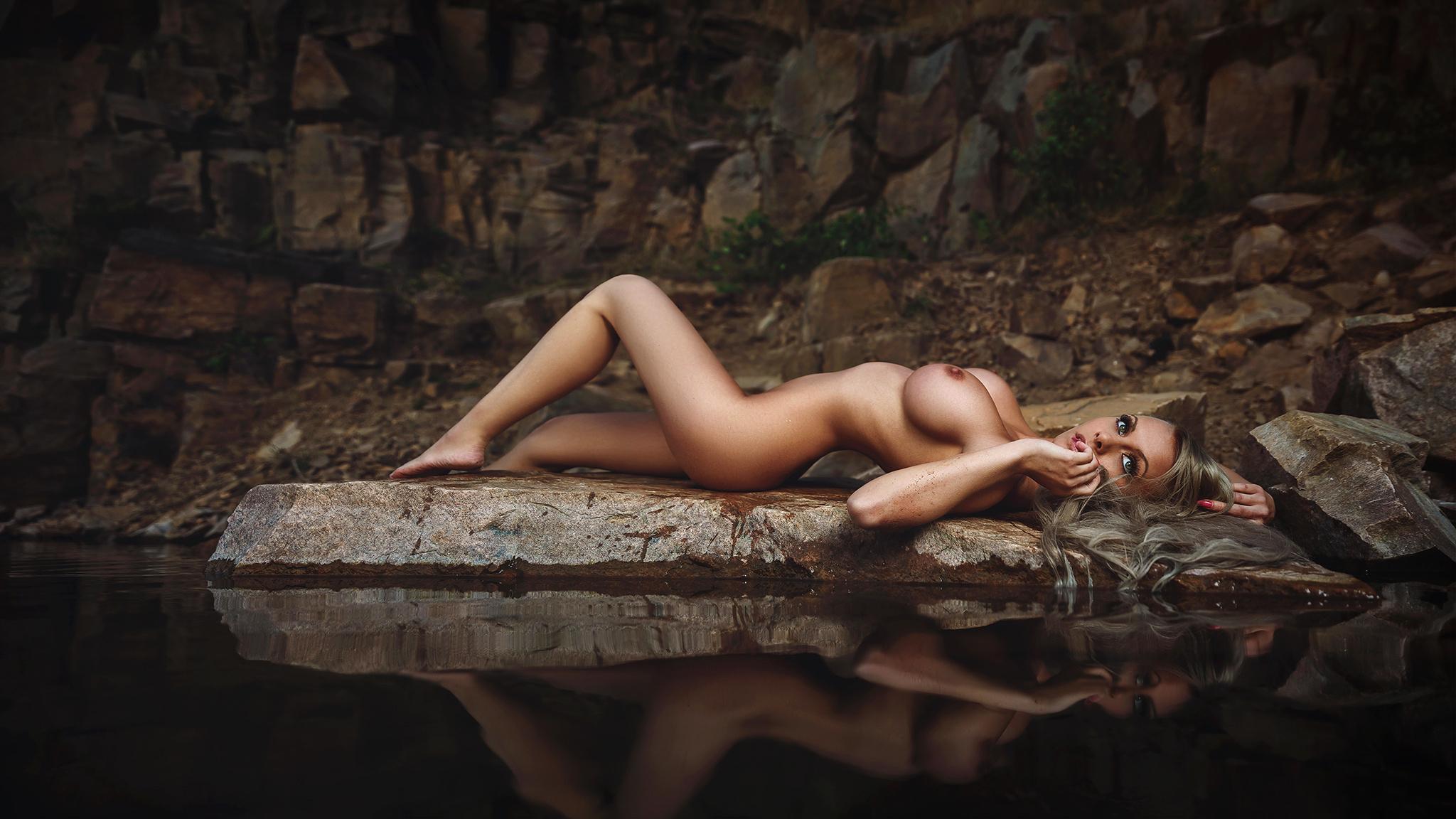 красивые фотообои на рабочий с видами на эротику