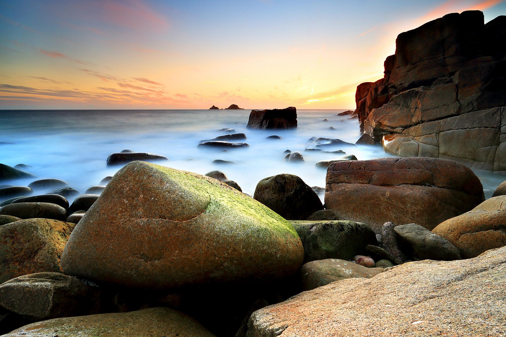 камни небо море  № 1491425 без смс
