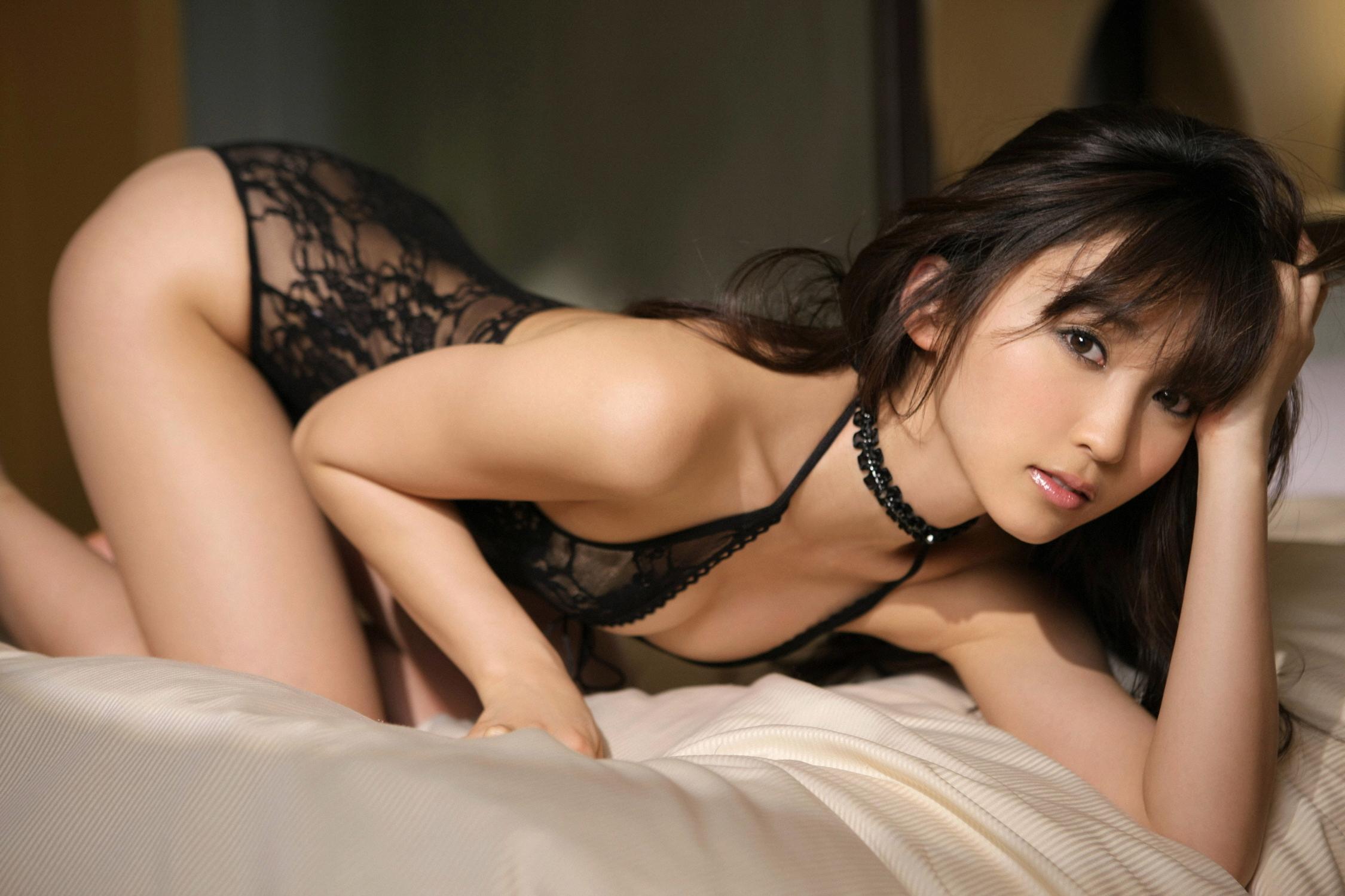 обалденно сексуальная азиатка начал легонькие нежные