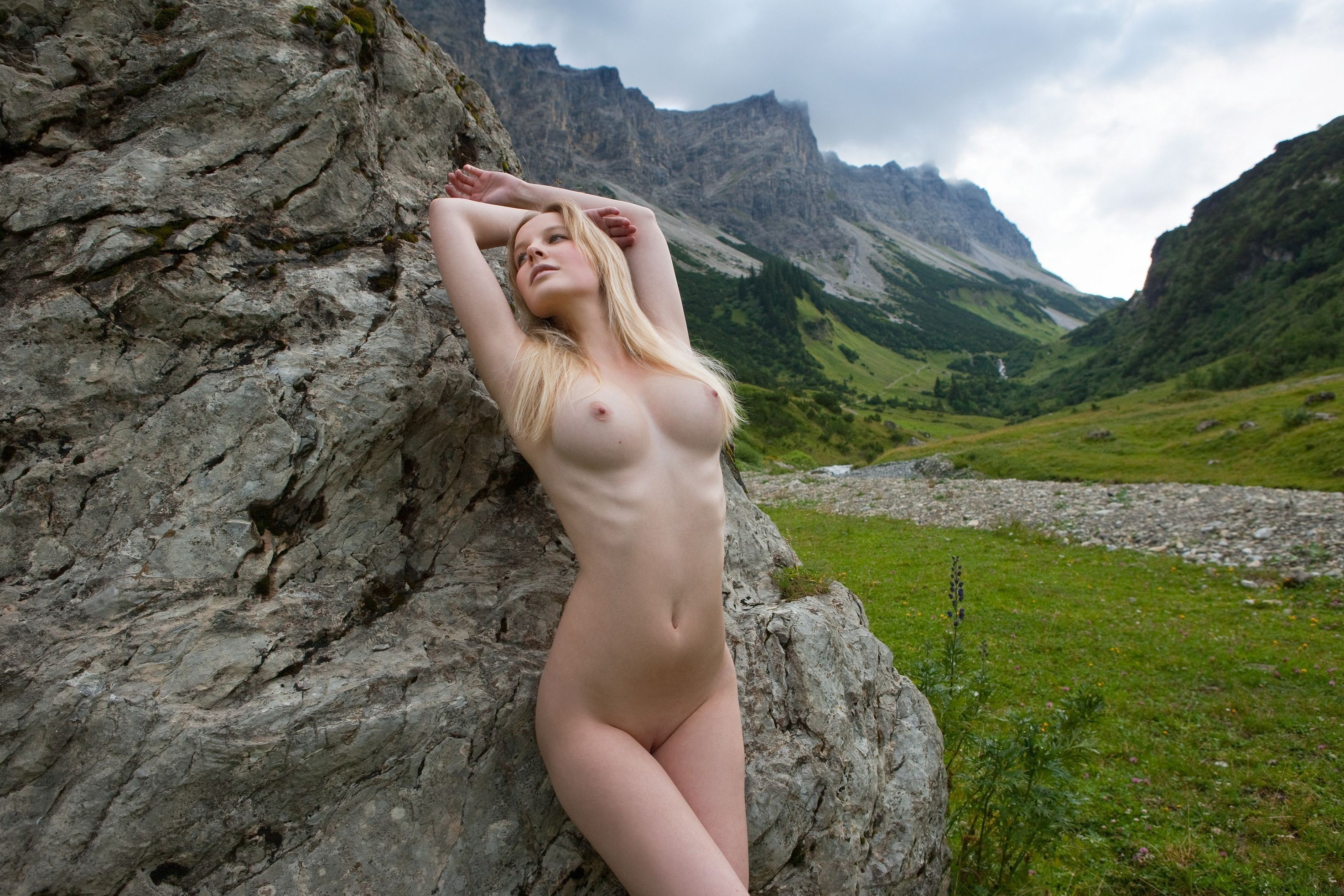 Moms porno mountain nude