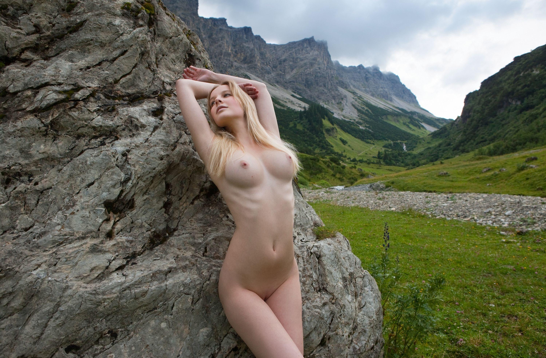Эротика женщин в горах 3 фотография