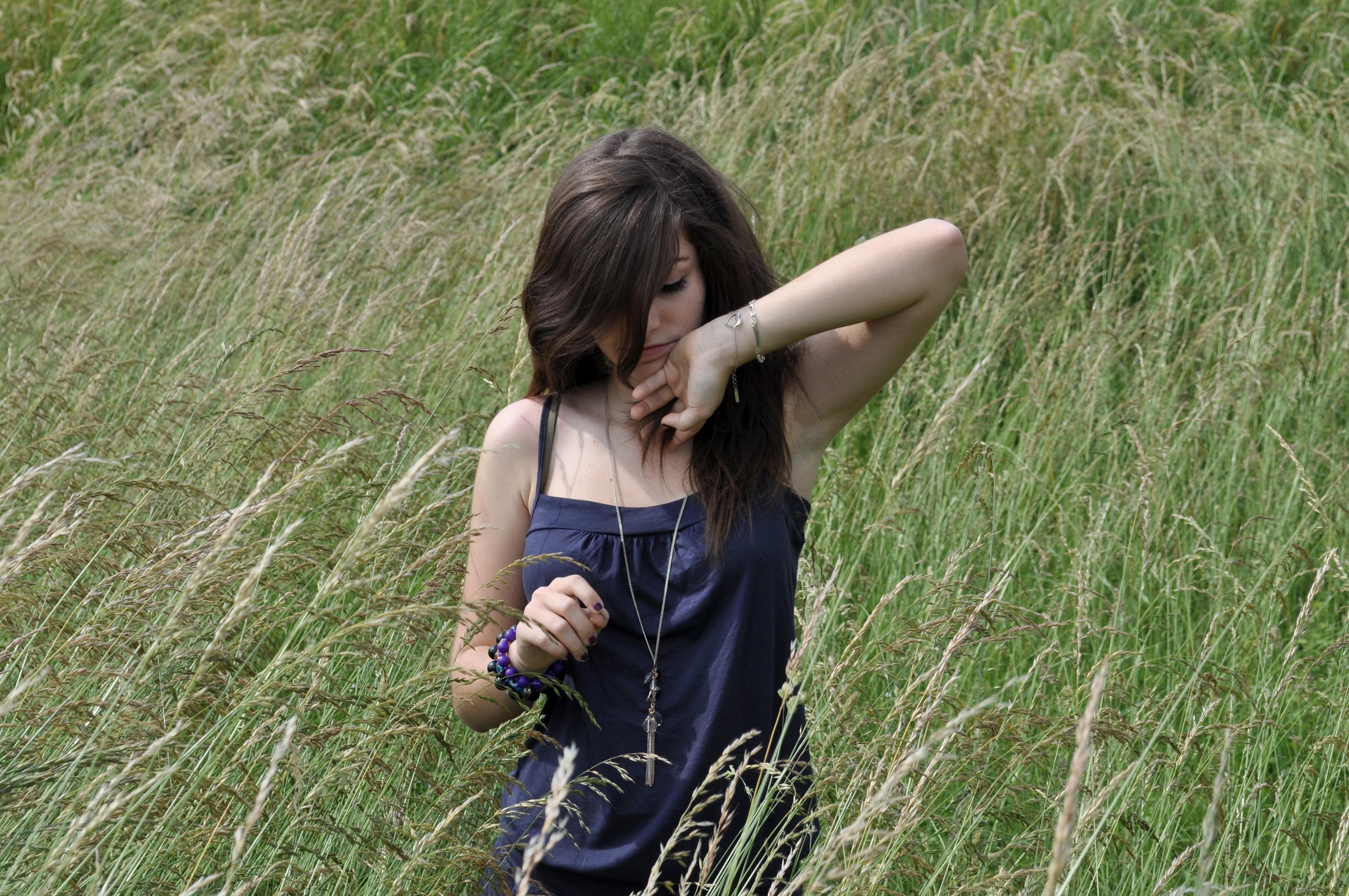 Фотографии обычных девушек брюнеток 23 фотография