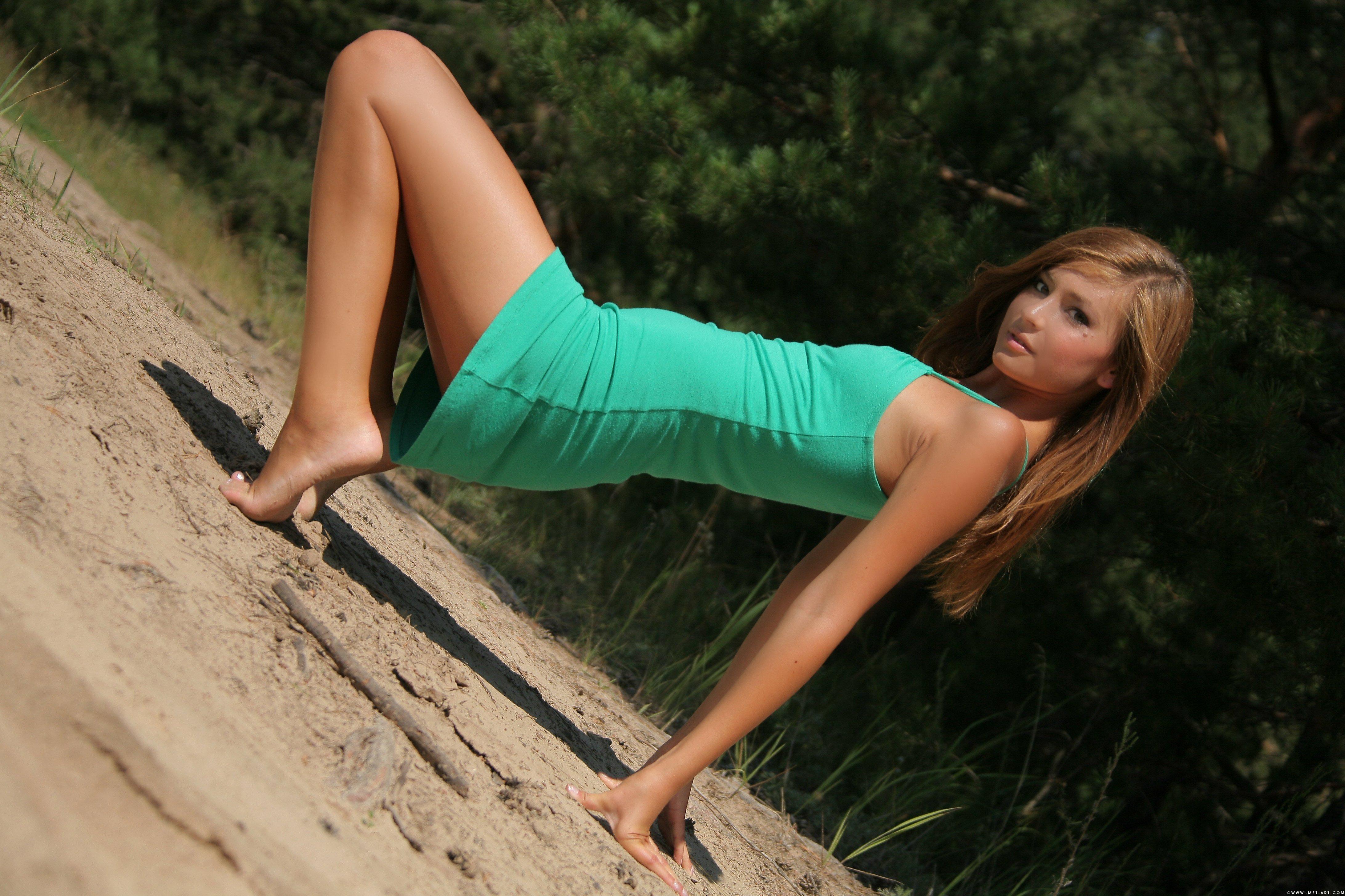 Русские босые девушки 19 фотография