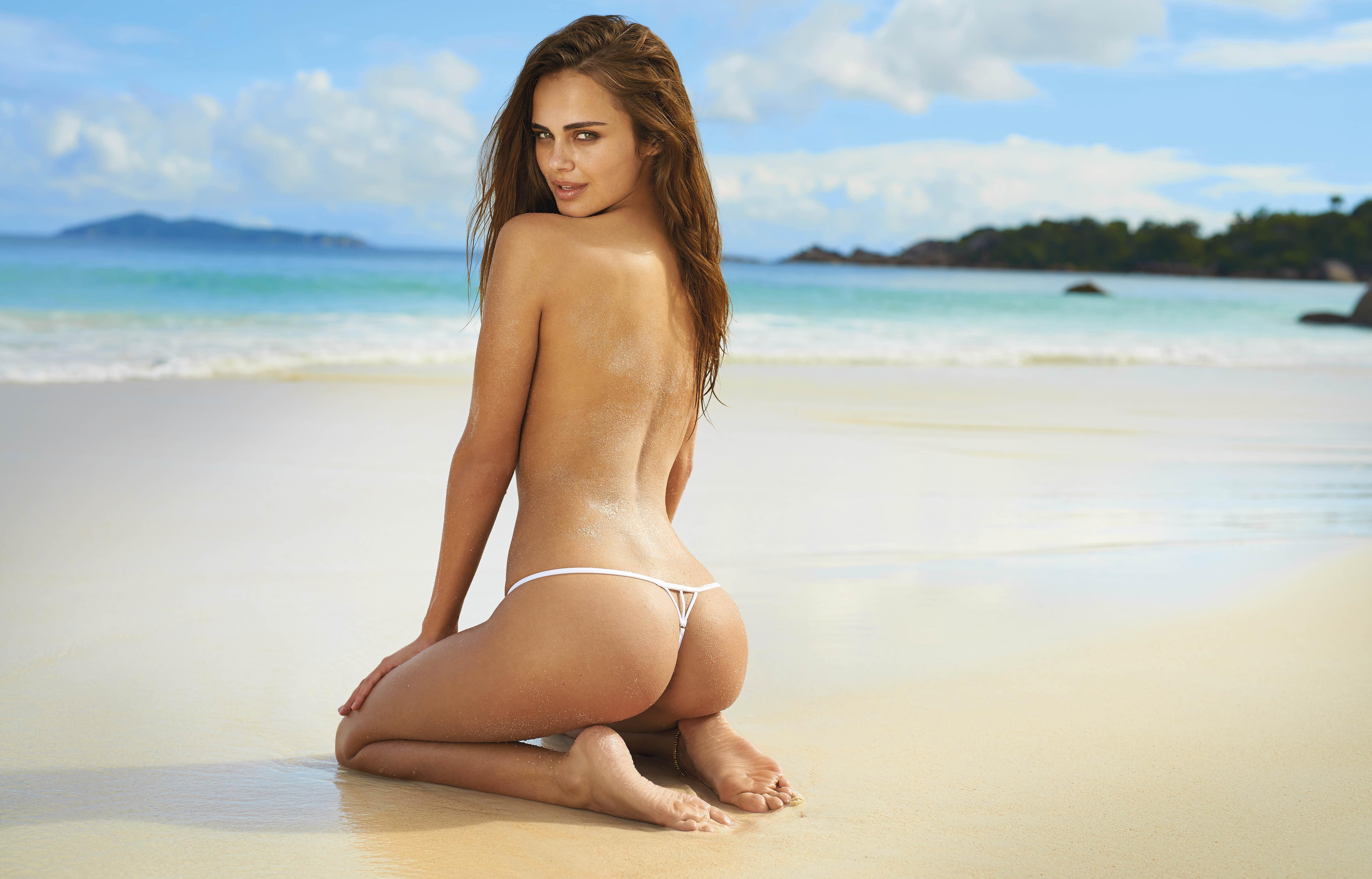 Naked hot bikini girls 10