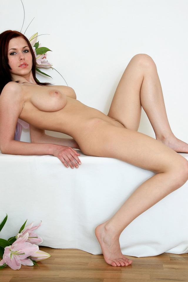 Голая девушка Iga Wyrwal на эротик