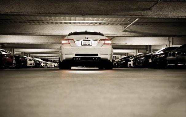 Фото обои белый, bmw, бмв, купе, освещение, парковка, автомобили