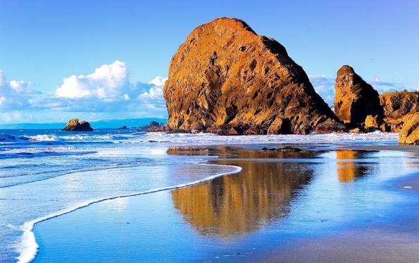 Фото обои море, небо, облака, скала, камень, волна, прибой