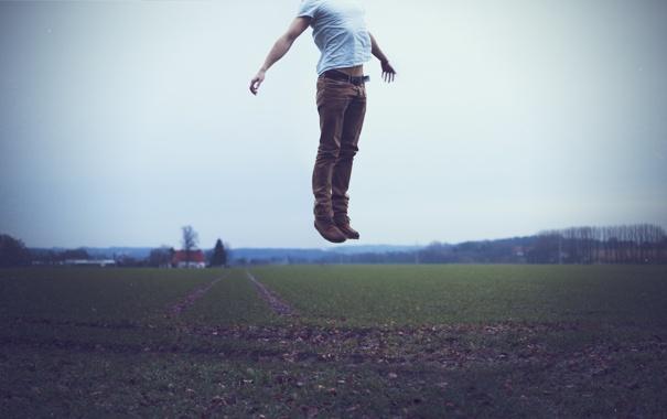 Фото обои прыжок, футболка, парень
