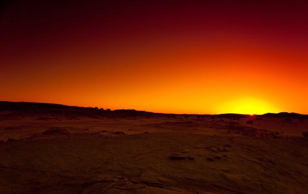 Фото обои небо, солнце, закат, оранжевый, камни, жёлтый, пустыня
