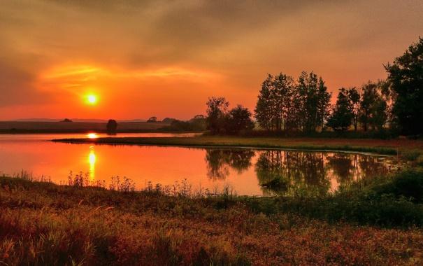 Фото обои закат, горы, озеро, отражение, поля, зеркало, силуэт