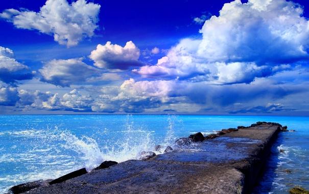 Фото обои море, небо, облака, причал, пирс, брвзги