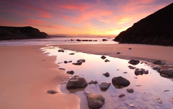 Фото обои море, волны, небо, пена, вода, горы, природа