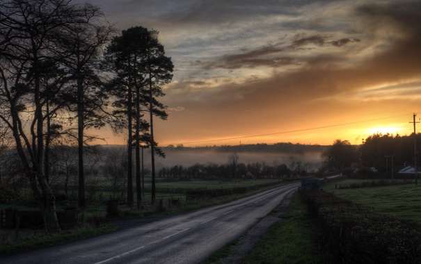 Фото обои дорога, закат, туман