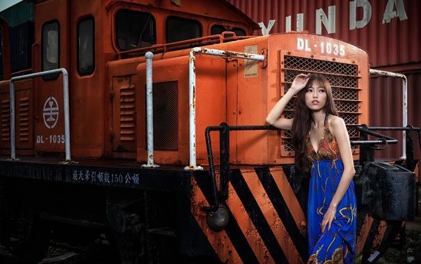 У девушка два поезда фотки, голые фотки пэрис хилтон
