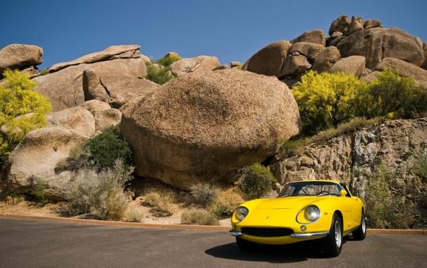 Фото обои камни, скалы, небо, 275 GTB, машина, Ferrari, деревья
