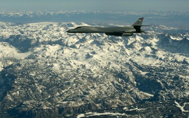 Фото обои горы, ландшафт, Lancer, бомбардировщик, B-1B, стратегический, сверхзвуковой