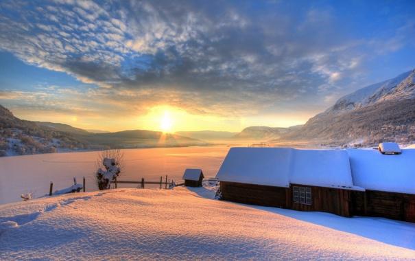 Фото обои зима, поле, закат, дома