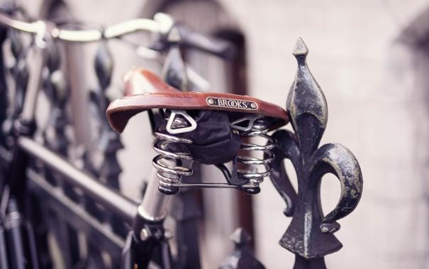 Фото обои макро, велосипед, забор, ограда, прутья, седло, сиденье