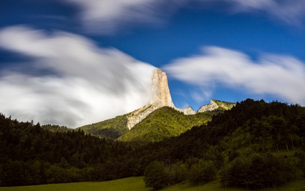 Фото обои лес, природа, гора, облако, пик, паляна