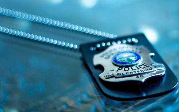 Фото обои полиция, жетон, цепочка, police