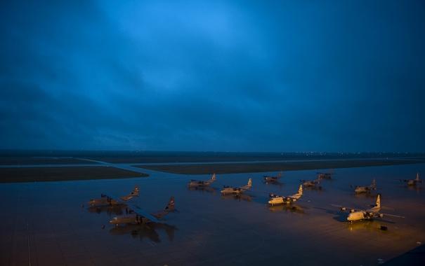 Фото обои ночь, аэродром, самолёты, C-130