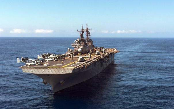 Фото обои оружие, корабль, Pacific Ocean, amphibious assault ship, USS Essex (LHD 2)
