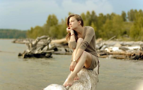 Фото обои девушка, река, настроение