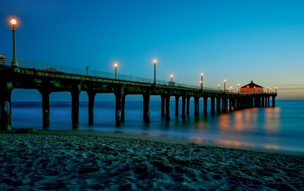 Фото обои песок, море, небо, огни, берег, вечер, фонари