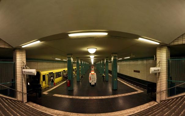 Фото обои лампы, люди, фотография, лестница, Метро, колонны, вывески
