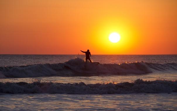 Фото обои волны, закат, горизонт, серфер, экстремальный спорт, доска для серфинга, оранжевое небо