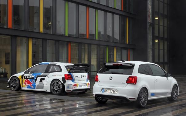 Фото обои белый, Отражение, Город, Volkswagen, Улица, Red Bull, WRC
