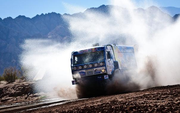 Фото обои дорога, пыль, ралли, скорость, KAMAZ, камаз