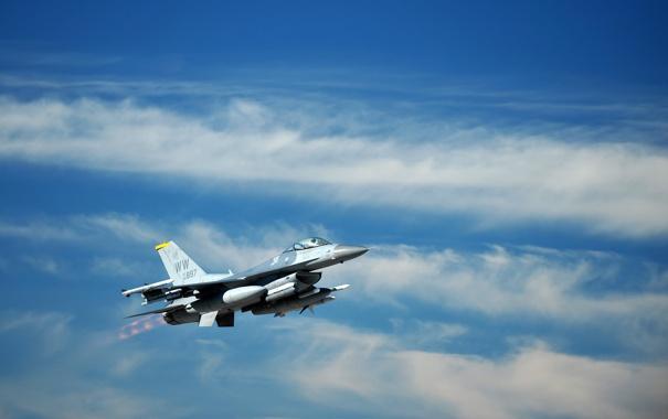 Фото обои небо, истребитель, полёт, F-16, Fighting Falcon, «Файтинг Фалкон»