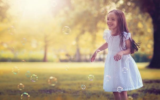 Фото обои радость, смех, платье, девочка, ребёнок