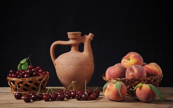 Фото обои стол, кувшин, персики, черешня, корзины, керамика