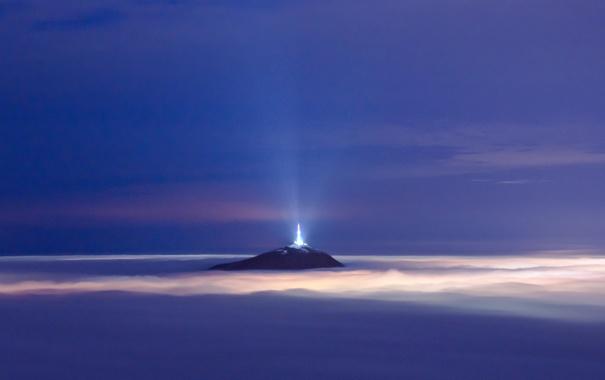 Фото обои небо, облака, свет, туман, гора, light, tower