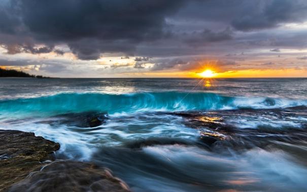 Фото обои волны, солнце, шторм, океан, рассвет, побережье