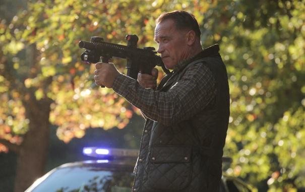 Фото обои оружие, мужик, автомат, актер, Арнольд Шварценеггер, Arnold Schwarzenegger, Саботаж Sabotage