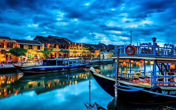 Фото обои закат, город, дома, канал, тучи, лодки