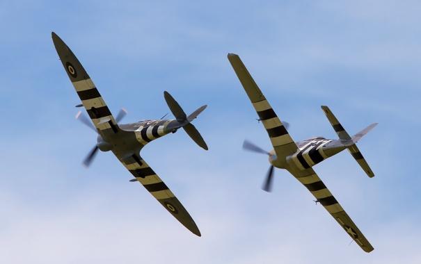 Фото обои истребители, полёт, P-51D Mustang, Supermarine Spitfire