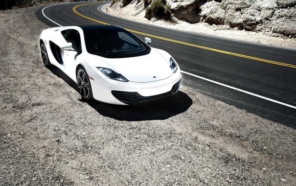 Фото обои дорога, белый, разметка, white, вид спереди, обочина, mclaren