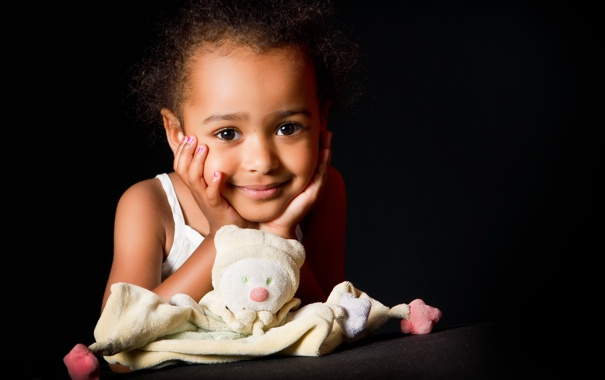 Фото обои настроение, игрушки, портрет, девочка